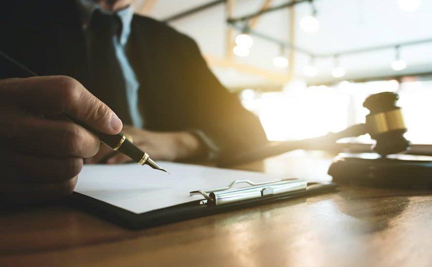 contratar-advogados-comerciais-curitiba