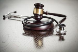 defesa-jurídica-de-medico-curitiba-consulta-com-advogado